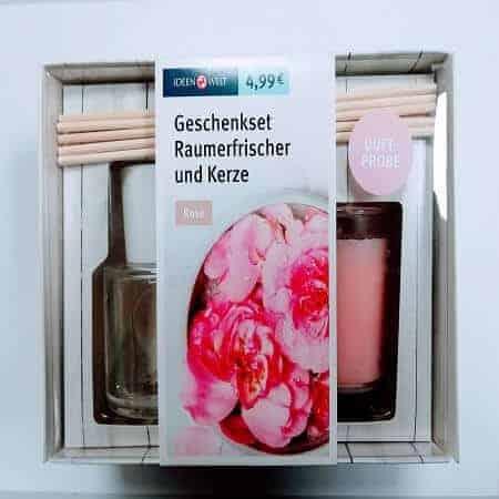 Комплект Ароматизираща Свещ и Ароматизиращи Пръчици Роза